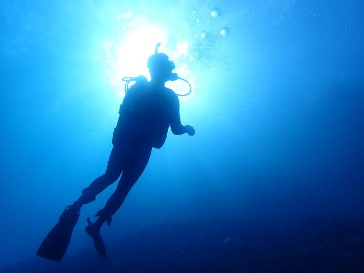 沖繩藍洞 PADI證照 中文服務